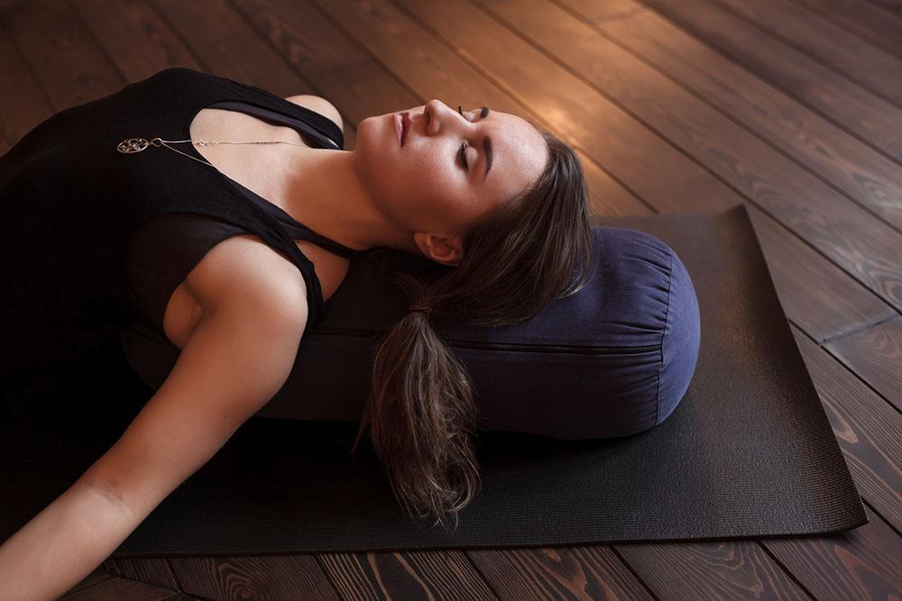 Bài tập yoga buổi tối thư giãn, nhẹ nhàng