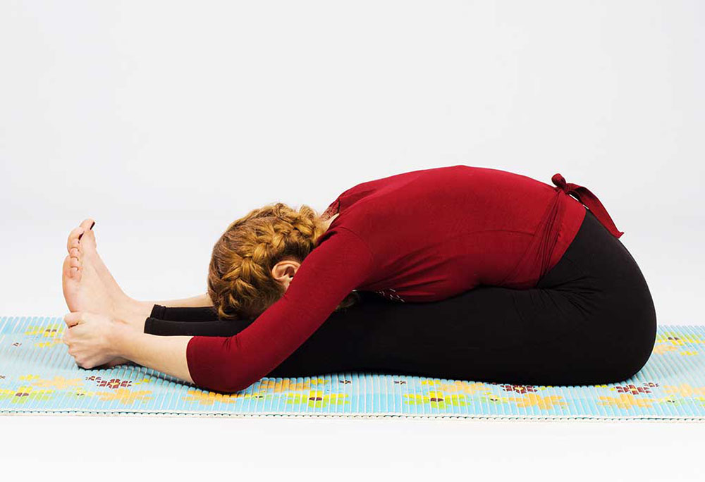 Tư thế ngồi gập người làm dịu não, giảm căng thẳng